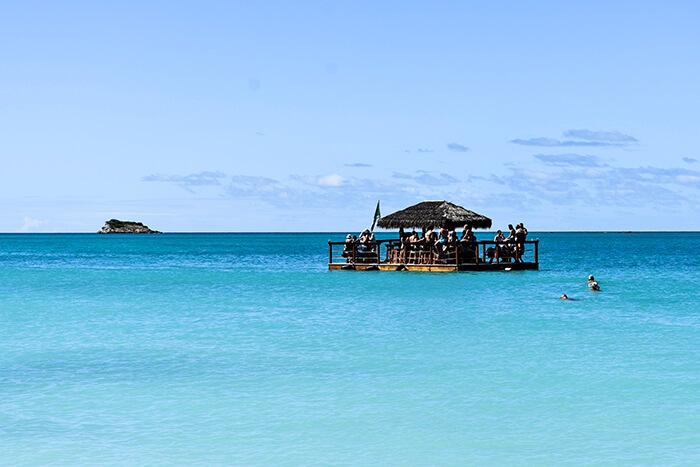 Bar au milieu de la mer - Antigua